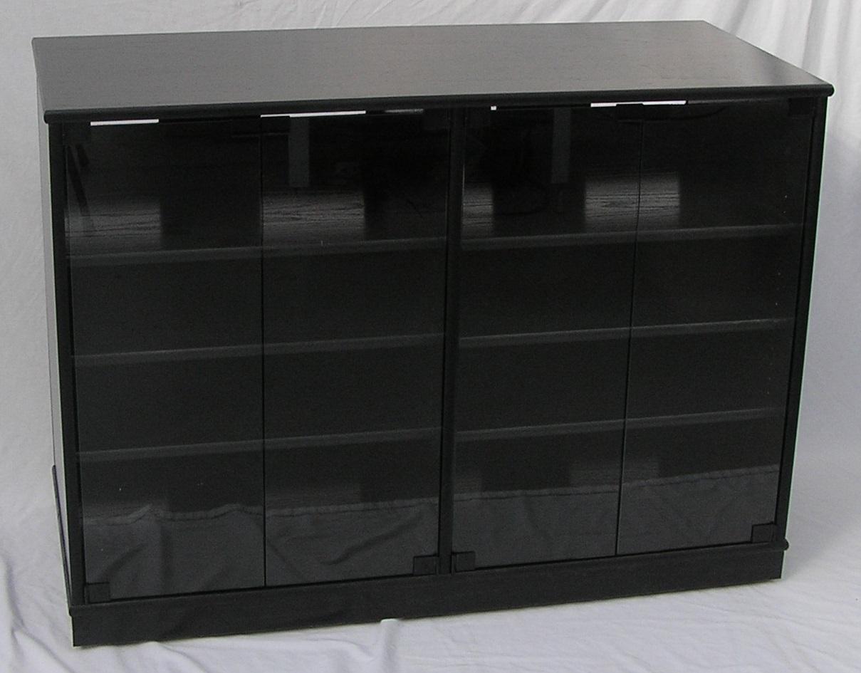 scdw2233-black-w-gray-glass-closed.jpg