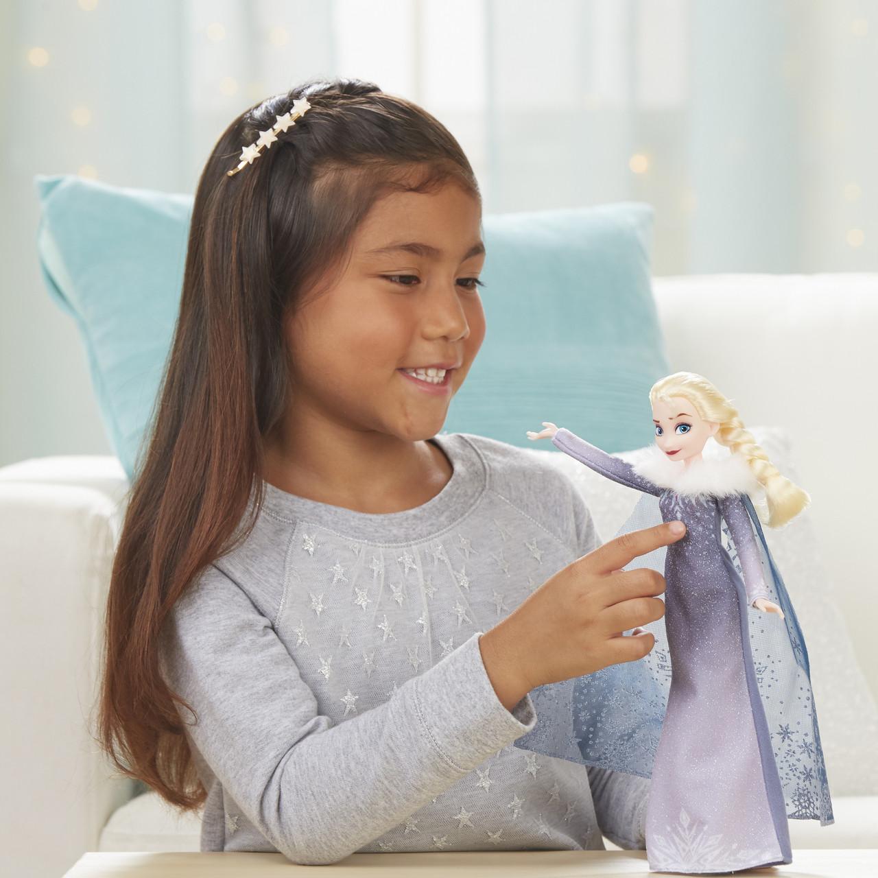 Frozen Singing Elsa Fashion Doll