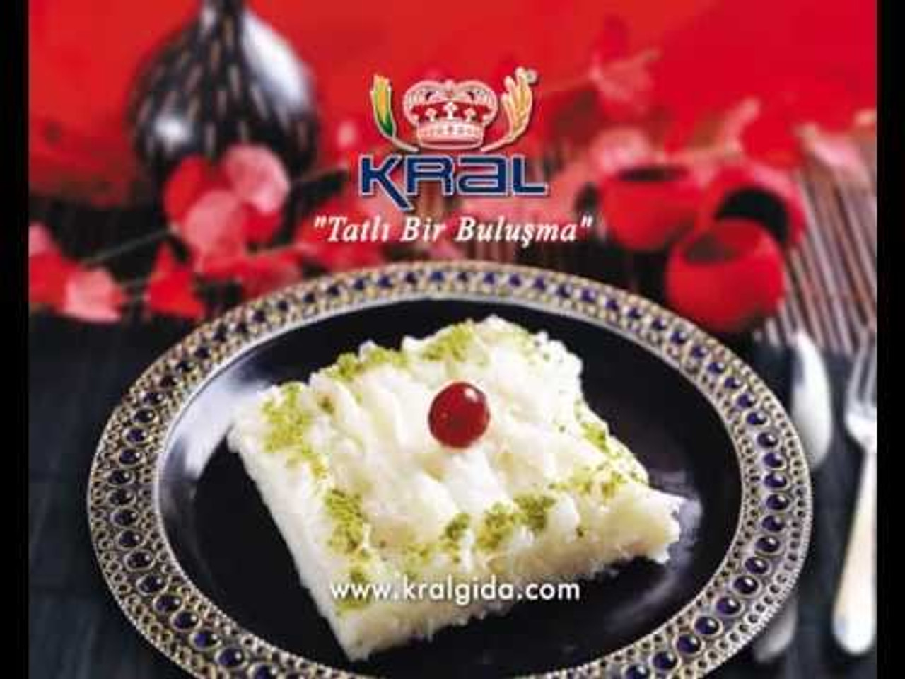 Gullac is a very thin, dry sheet of dough made of starch. It is cooked with milk and sugar and a traditional desert of Ramadan month served after fasting