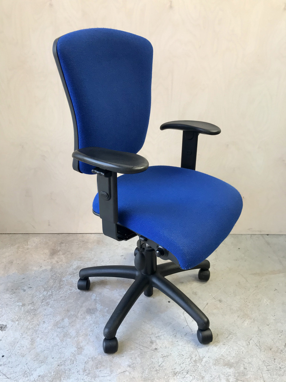 High back task chair in Blue fabric - UC03