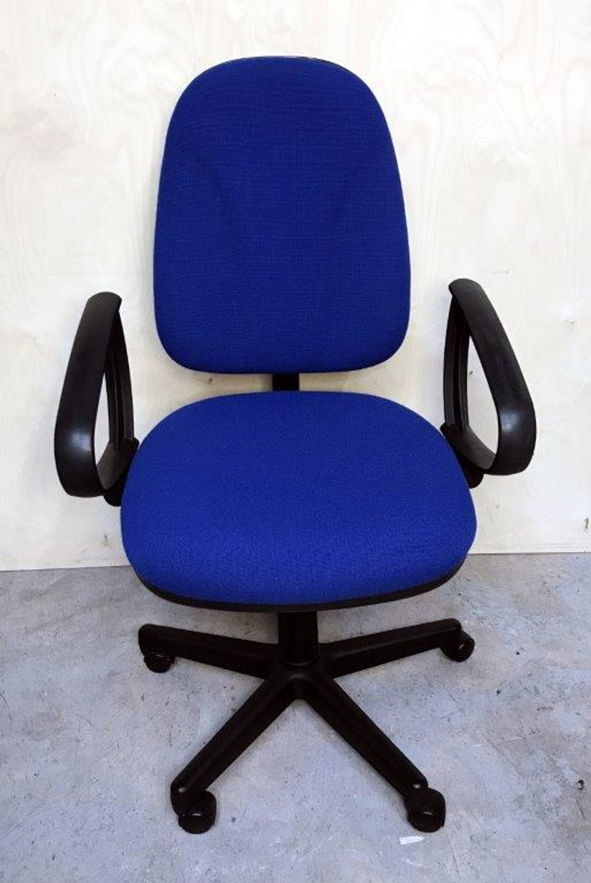 CC005 - Operator chair with arms