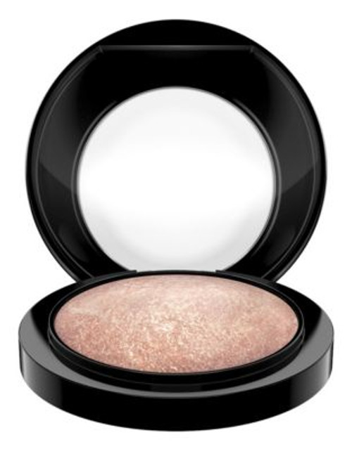 M.A.C Mineralize Skinfinish - SOFT AND GENTLE