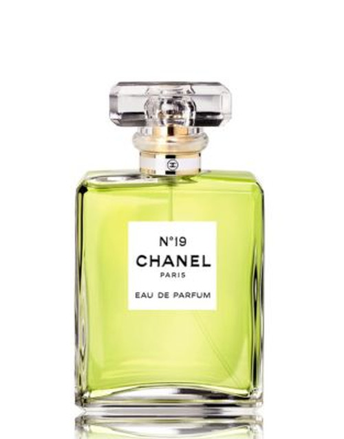 Chanel N°19 Eau de Parfum Spray - 50 ML