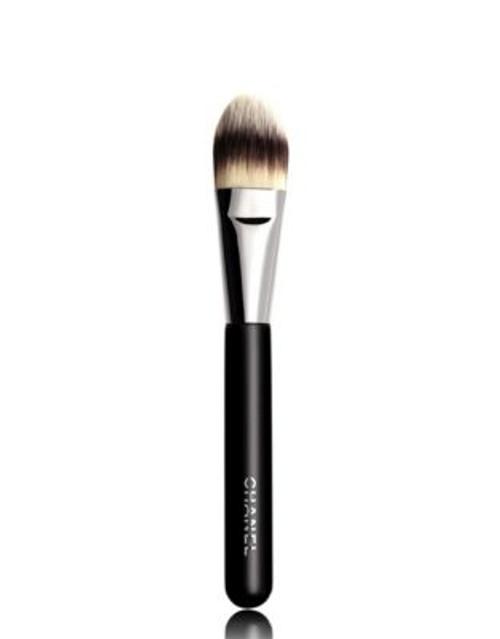 Chanel PINCEAU FOND DE TEINT N°6 Foundation Brush