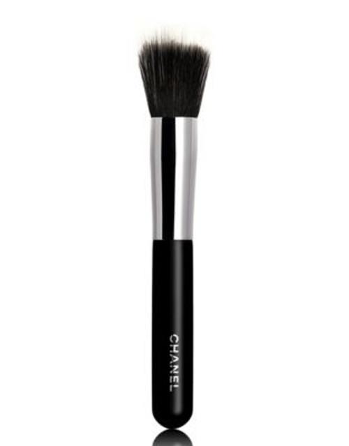 Chanel PINCEAU FOND DE TEINT ESTOMPE N°7 Blending Foundation Brush