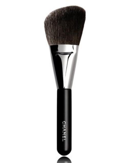 Chanel PINCEAU POUDRE BISEAUTÉ N°2 Angled Powder Brush