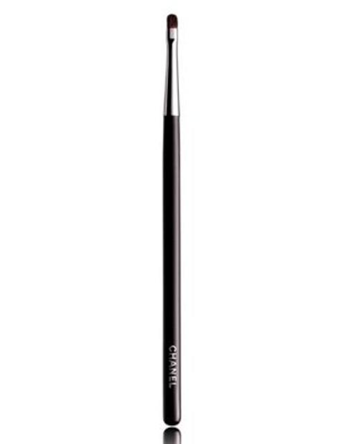 Chanel PINCEAU CONTOUR PAUPIÈRES N°14 Contour Shadow Brush