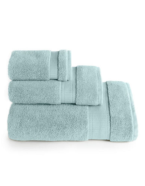 Calvin Klein Plush Bath Towel - SPRAY - Bath Towel