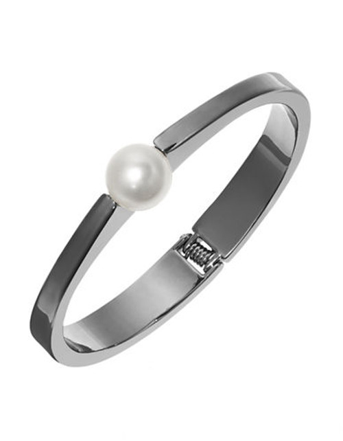 424 Fifth Hinged Pearl Bangle - Hematite