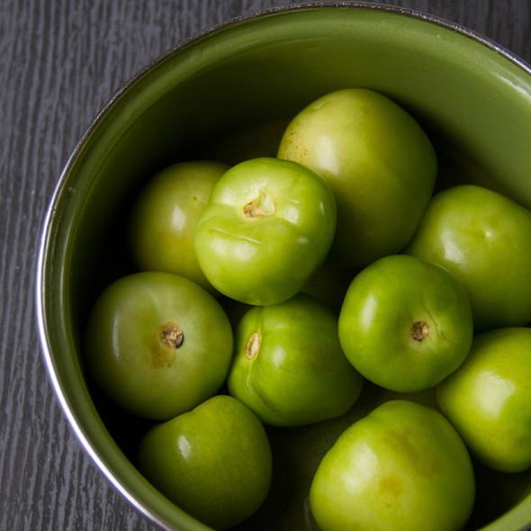 Whole Green Tomatillo Wholesale Image