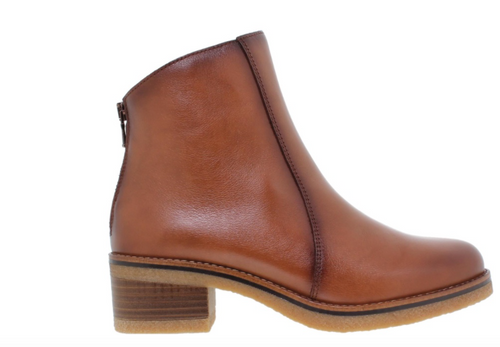 Leather zip back boots