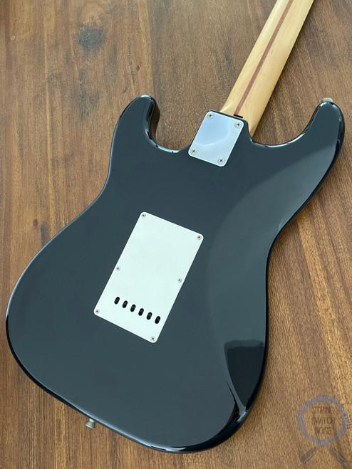 Fender Stratocaster, High Gloss Black (Tuxedo), 2002
