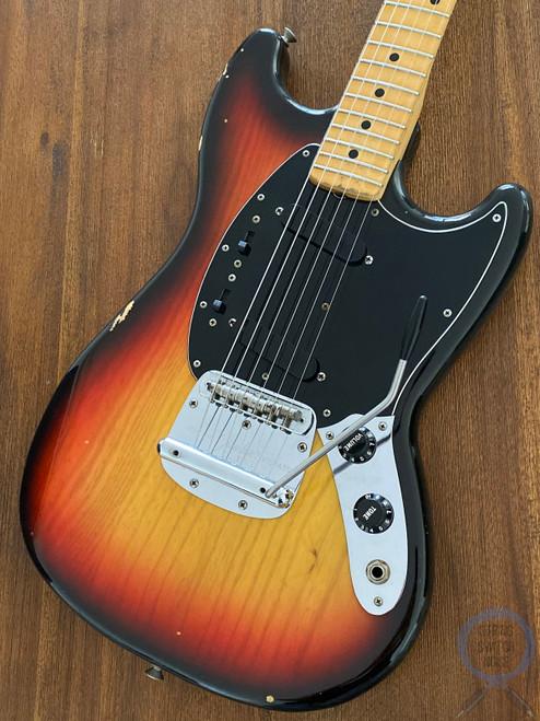 Fender Mustang, 3 Tone Sunburst, USA VINTAGE 1978, Hard Case