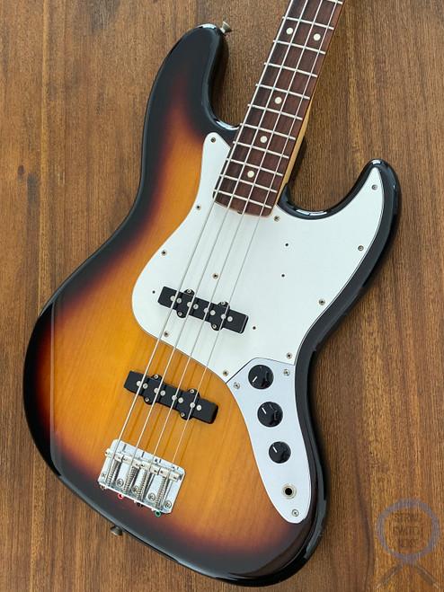 Fender Jazz Bass, Three Tone Sunburst, (White Guard), 2005