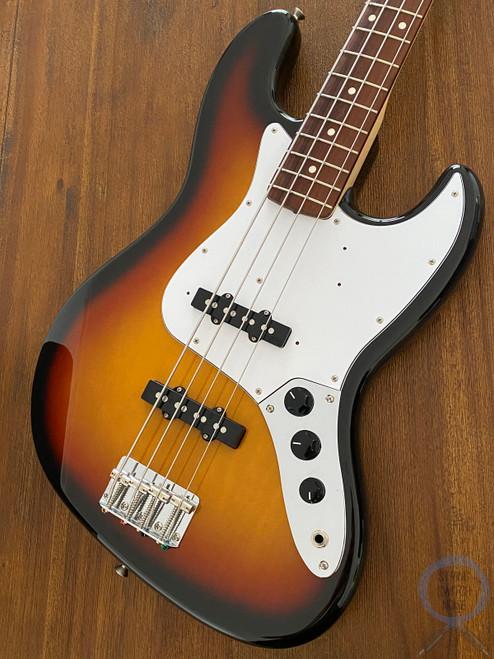 Fender Jazz Bass, NEAR NEW, Three Tone Sunburst, 2004 Model