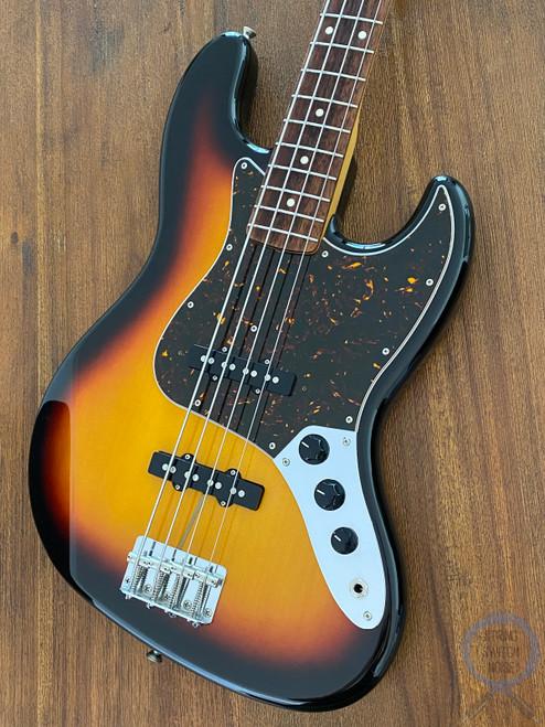 Fender Jazz Bass, '62, Sunburst, 2010, Alder Body, Excellent Condition