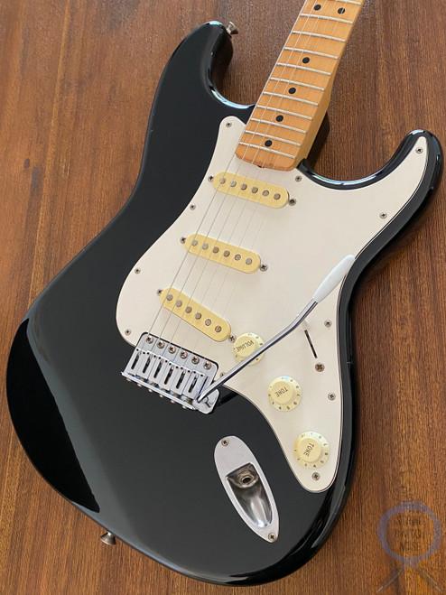 Fender Stratocaster, Black, White Guard (Tuxedo) 2004