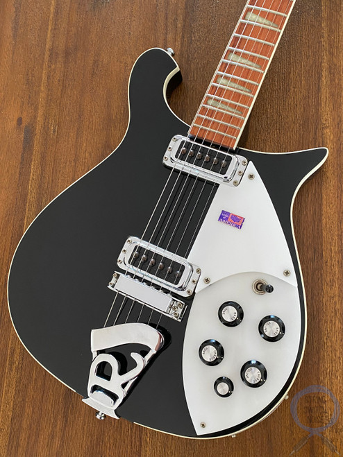Rickenbacker 620, Jetglo, USA, 2000, Near MINT Condition, OHSC