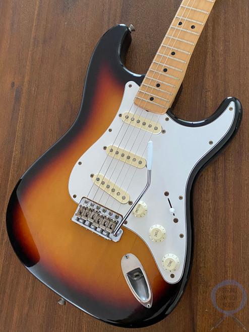 Fender Stratocaster, 3 Tone Sunburst, 2002, Excellent Condition