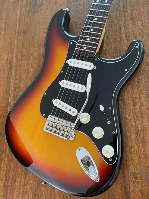 Fender Stratocaster, 3 Tone Sunburst, 2010, Excellent Condition