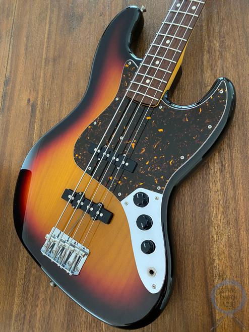 Fender Jazz Bass, '62, 3 Tone Sunburst, 2006, Excellent Condition