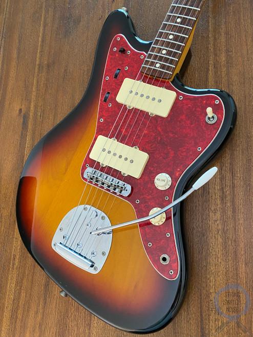 Fender Jazzmaster, '66, 3 Tone Sunburst, 1997, Red Tort Guard
