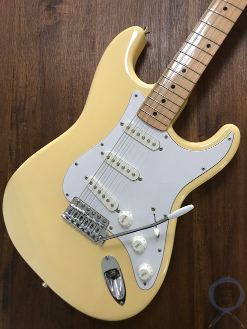 Fender Stratocaster, '72, Blonde Finish (Yellow White), 2012, Excellent Condition