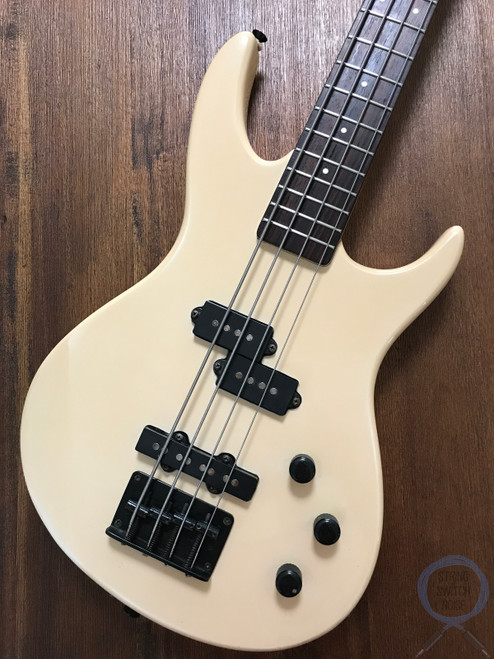 "Aria Pro II Bass, 32"" Medium Scale Bass, Vanguard, P/J, White, 1990s"