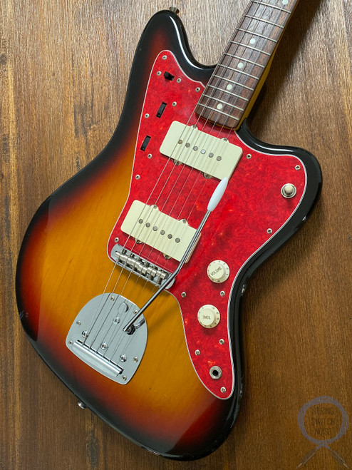Fender Jazzmaster, '66, 3 Tone Sunburst, 1993, Alder Body