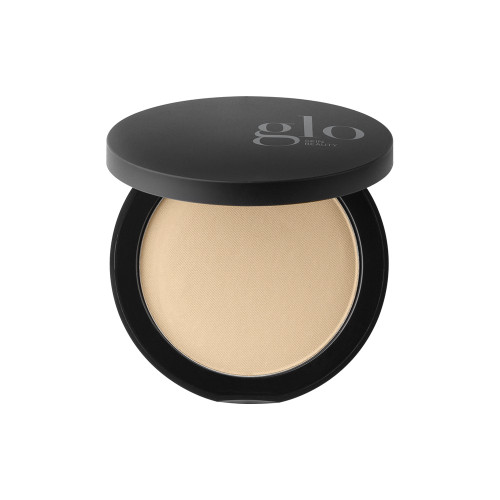 Achieve a flawless finish with our top selling, award winning mineral foundation.