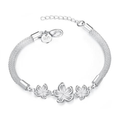 Lievin 18K White Gold Plated Bracelet Made with Swarovski Crystals