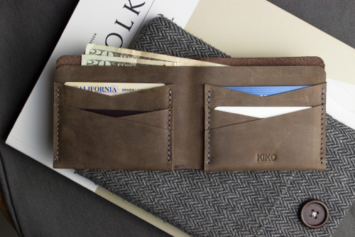 Buck Bifold Wallet Self Lined Smooth Leather & 6 Card Slots