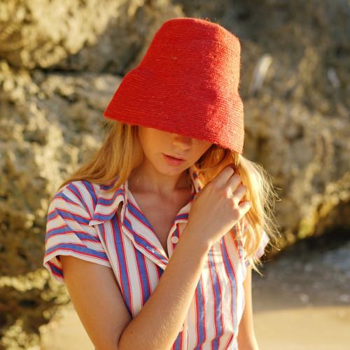 NAOMI Jute Bucket Hat in Red