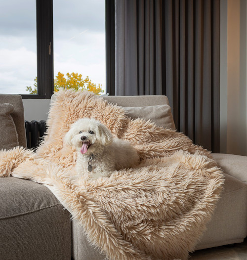 Chunky Flokati Faux Wool Off White Throw Blanket. 386752