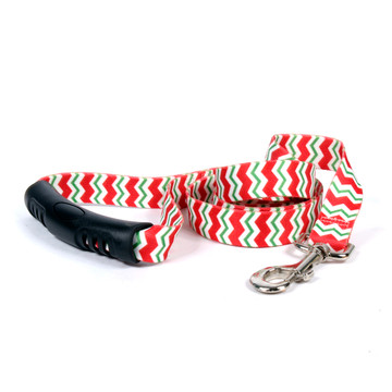 Peppermint Stick Chevron Stripes EZ-Grip Dog Leash