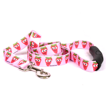 Sweet Strawberries EZ-Grip Dog Leash