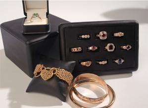 fashion-accessories-displays7.jpg
