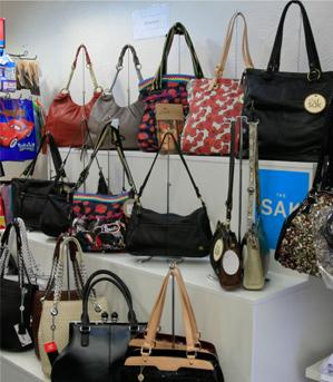 fashion-accessories-displays8.jpg
