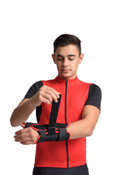 MAXAR Wrist Splint with Abducted Thumb - Left Hand - Black w/Red Trim