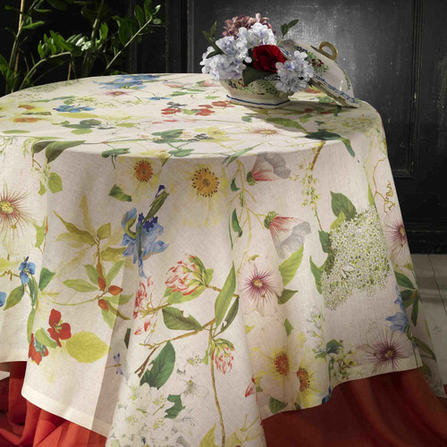 Ibisco Table Linen by Tessitura Toscana Telerie
