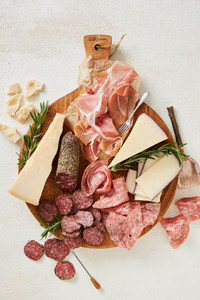 Cheese & Charcuterie Gift Collection