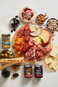 Deluxe Cheese Board Gift Collection