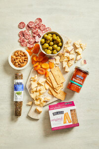 The Best Gourmet Meat & Cheese Gift Box