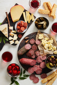 Cocktail Favorites Meat & Cheese Gift Collection