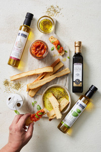 Gourmet Olive Oil and Antipasti Gift Box
