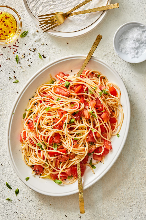 No Cook Tomato Pasta Sauce