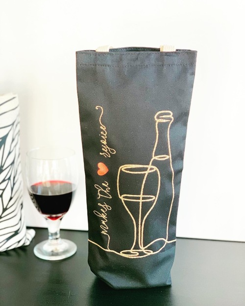 makes the heart rejoice wine tote