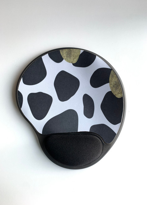 Animal print mouse pad with wrist support