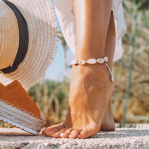 Anklet on foot