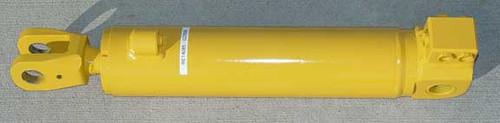 RE14085: Blade Lift Cylinder (TZ2)